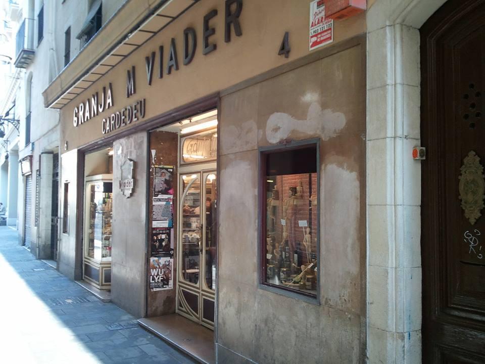 Entrada a Granja Viader