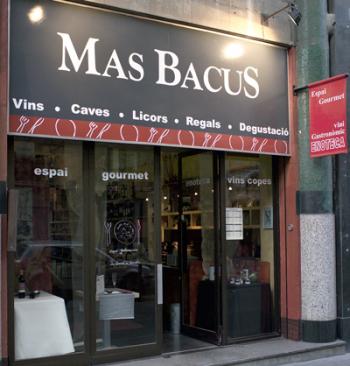 Entrada a Mas Bacus