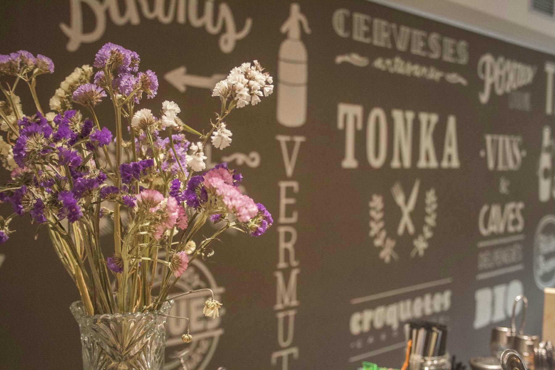 Tonka bar restaurante barcelona